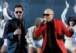 Marc Anthony and Pitbull singing at the VTAs